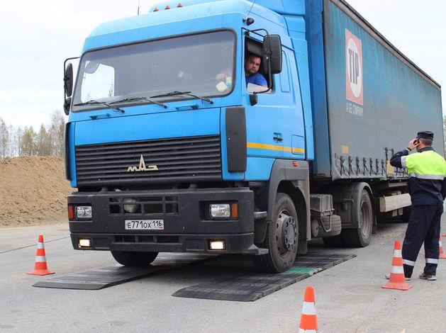 """Более ста нижегородских дальнобойщиков написали письмо в заксобрание по поводу """"Платона"""""""