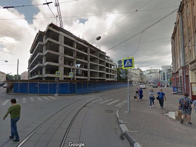 Строящаяся гостиница на улице Алексеевской