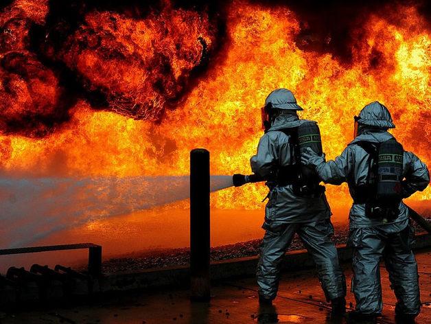 Причины пожара двух судов в Керченском проливе: взрыв и нарушение техники безопасности