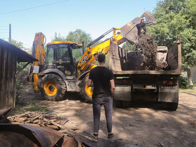 В Нижнем Новгороде начали сносить заброшенные сараи на улице Четверикова