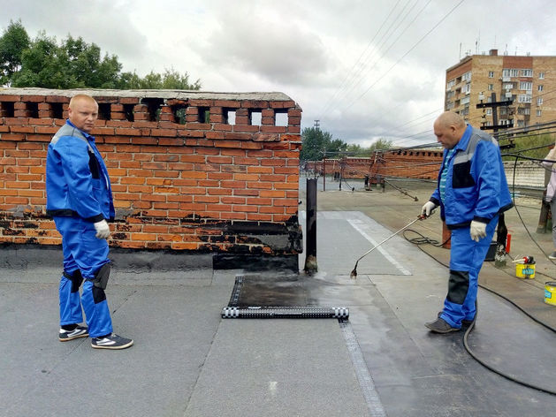 Почти 60 крыш отремонтировали в Приокском районе в этом году по заявлениям жителей