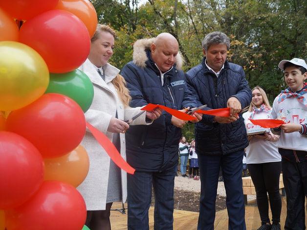 Амфитеатр появился на благоустроенной территории Первого озера Щелоковского хутора