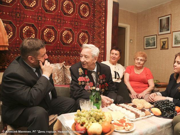 Одного из первых выпускников Горьковского суворовского училища поздравили с 75-летием СВУ