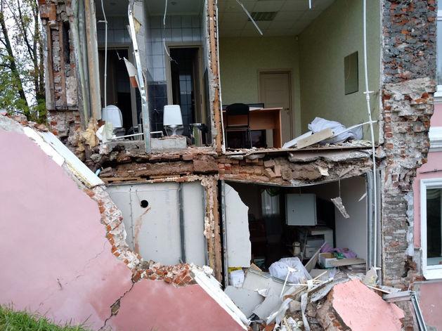 В центре Нижнего Новгорода рухнула стена дома