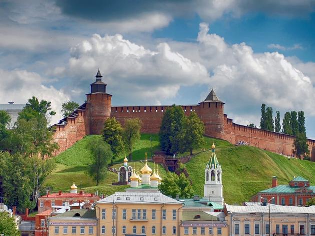 На территории Кремля мостостроители восстановят сад, возведут читальню и фуд-корты