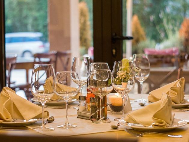 Нижегородским ресторанам пообещали больше посадочных мест и банкеты