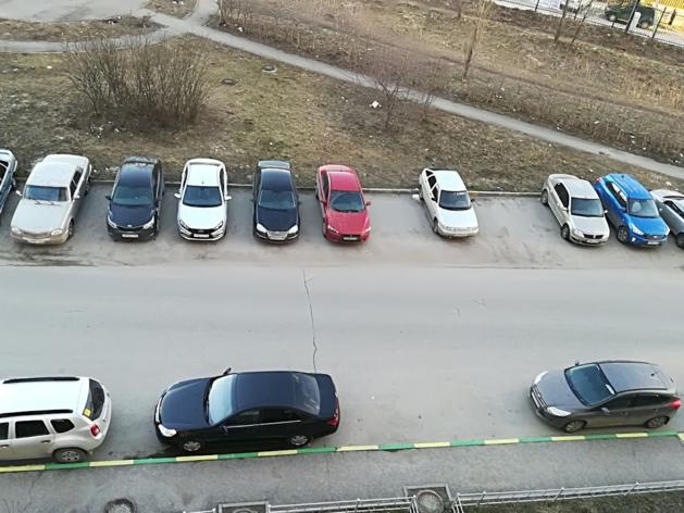 Опять лезут в карманы людей? Резидентские парковочные разрешения начнут выдавать 1 декабря